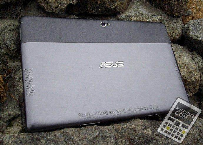 Задняя часть Asus Vivo Tab RT TF600T